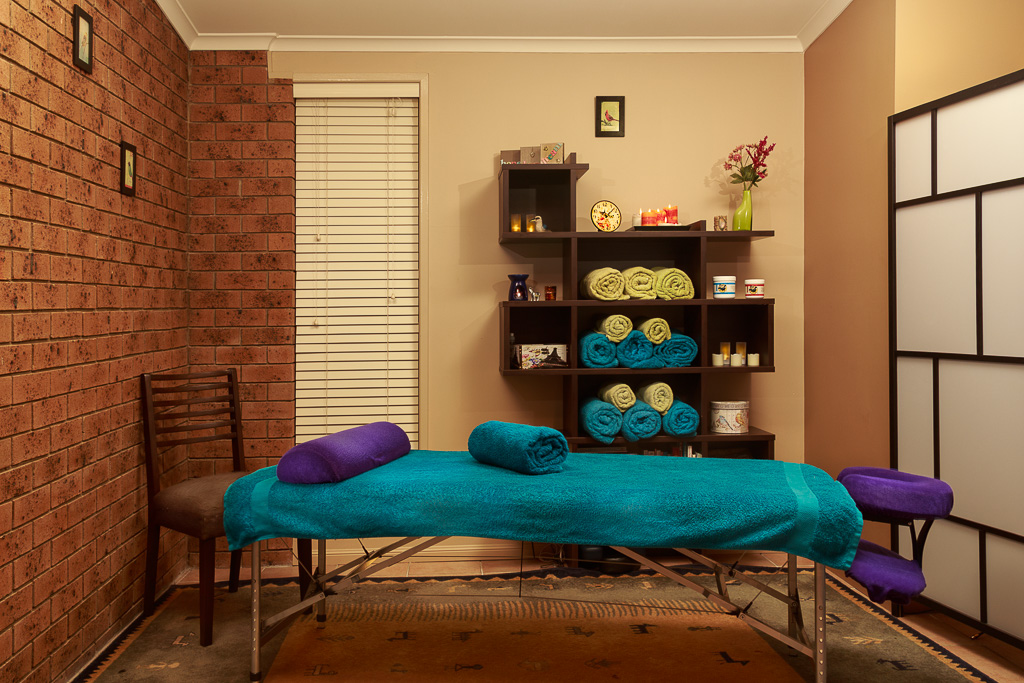 Maret Leesi Pregnancy massage clinic